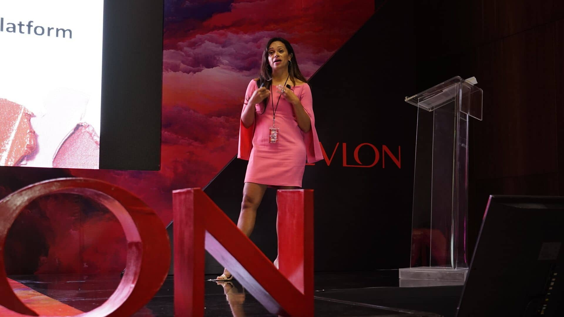 Event keynote speaker | Revlon Distributor Summit